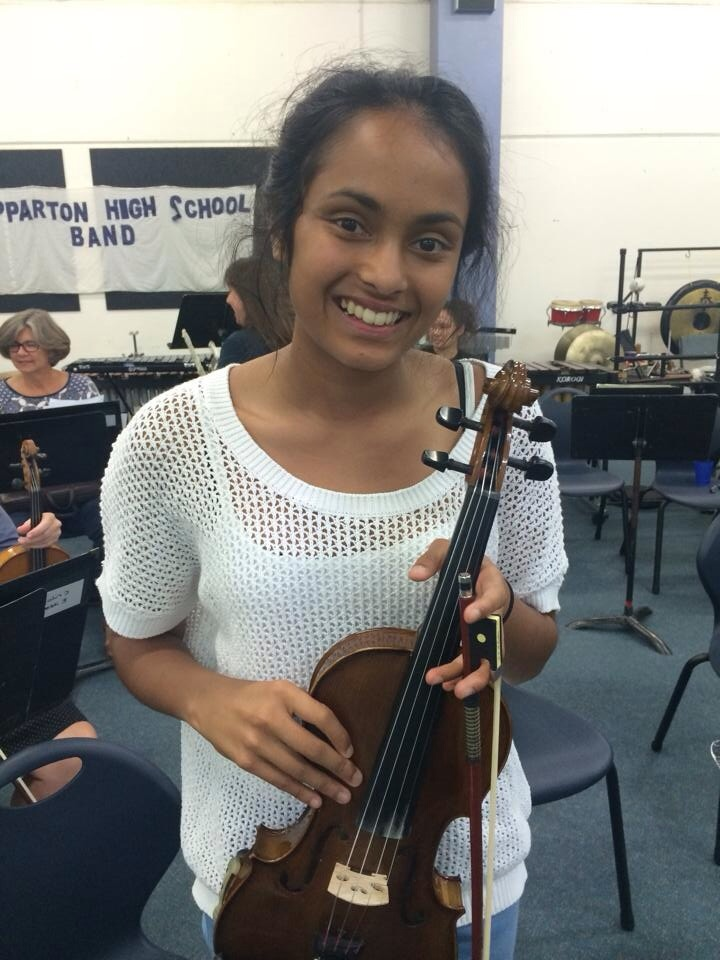 Mithma Ekanayake, 2nd violinist and new desk partner for Phil!